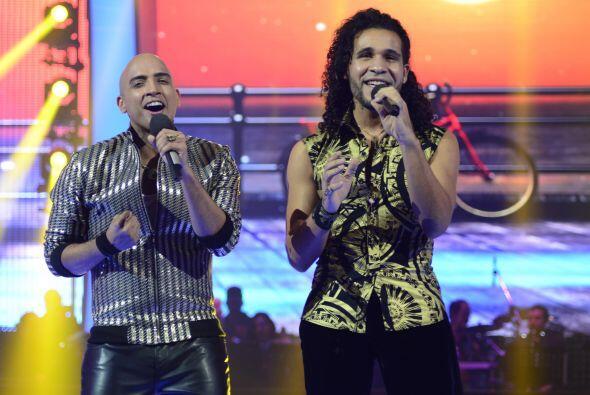 Ahora le tocó interpretar un dúo con su compañero Frank Francisco.