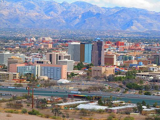 Tucson, en Arizona, cierra la lista. Un 58.6% de su población viv...