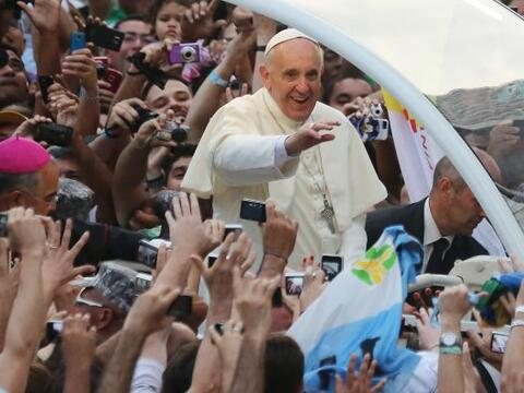 10. Otra de las historias del Papa Francisco qué más emoci...