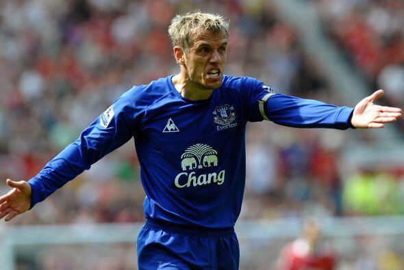 Phil Deville, jugador del Everton, se puso como 'loco' cuando le cobraro...
