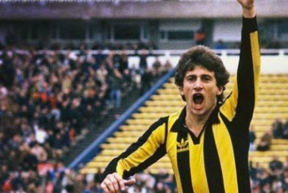 Fernando Morena es el máximo goleador en los torneos de Uruguay c...