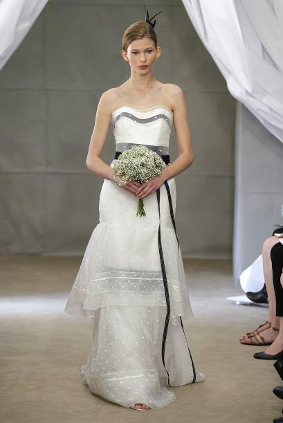 La diseñadora Carolina Herrera tiene un vestido en el que agregó detalle...