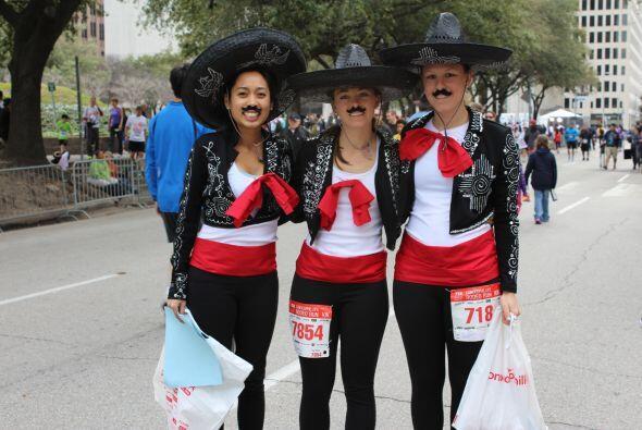 También se realizó un maratón inaugural y los corredores aparecieron con...