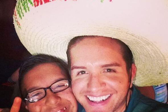 El Dasa  Qué mejor manera de expresar el amor por México que portando la...