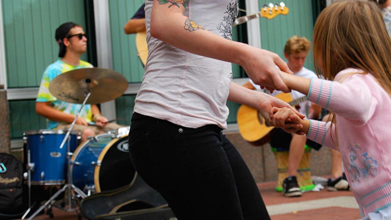bailar es uno de los ejercicios que mu00e1s se disfrutan y menos se sien...