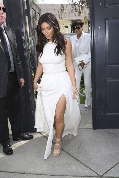 Kim ahora dejó a bebé North en casita.  Aquí los videos más chismosos.