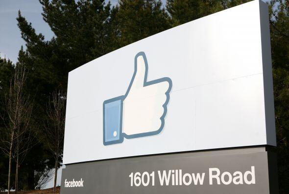 La directora de operaciones de la red social Facebook cobró más de $30.5...