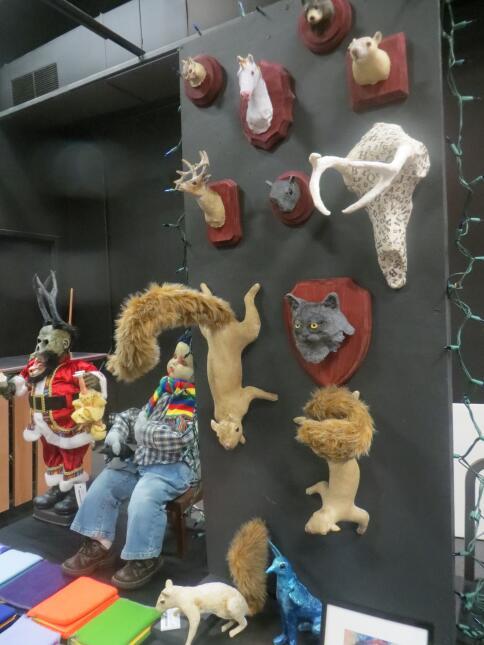 Mercado navideño de los estudiantes de Columbia College