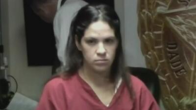 Tras las rejas y sin derecho a fianza mujer que asfixió y quemó a su madre