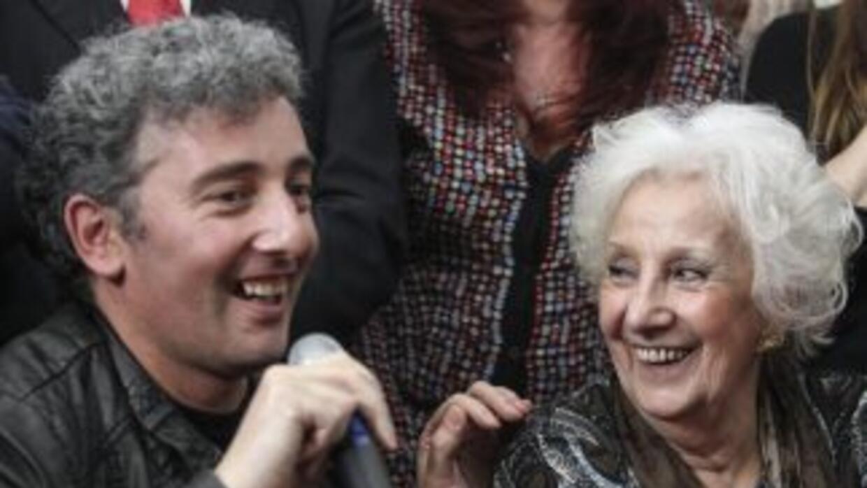 El nieto de Estela de Carlotto se registrará con el nombre Ignacio Guido.