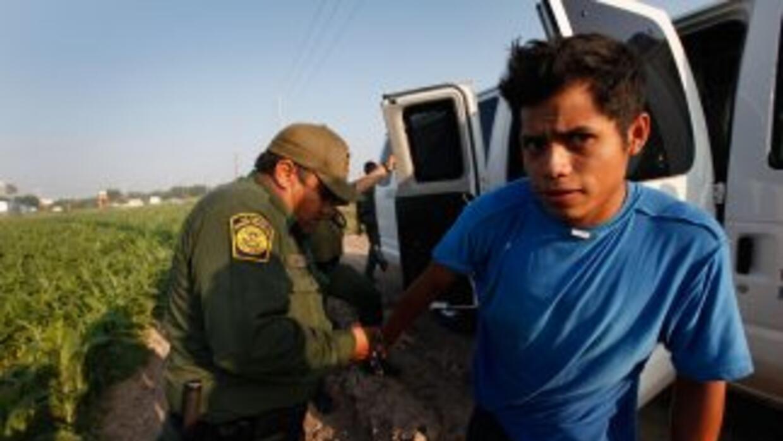 La cifra de detenidos en la frontera durante el año fiscal 2010 (460,000...