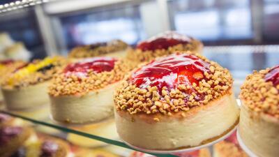 Sorprende a tus invitados con estas recetas de 'cheesecake'.