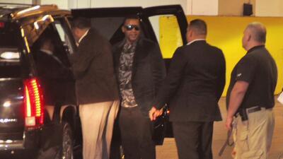 Don Omar llegó a Nueva York defendiéndose de las acusaciones de violenci...