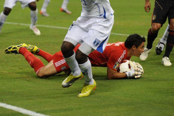 Alfredo talavera salvó a México de la eliminación desviando un balón que...