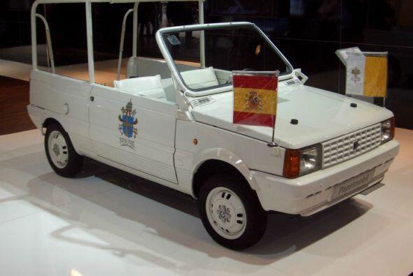 Seat Panda:En su visita a España en 1982 el equipo de seguridad se dio...