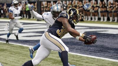 Rams 21-14 Lions: Despertó el novato corredor Todd Gurley, 140 yds. con...