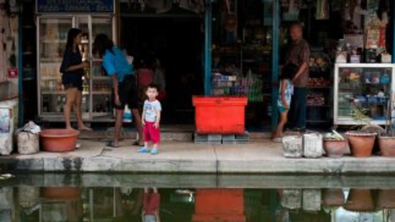 El balance de las inundaciones históricas que asolane Tailandia desde ha...