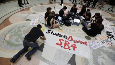 Estudiantes contrarios a la SB4, una ley que levantó en 2017 gran contro...