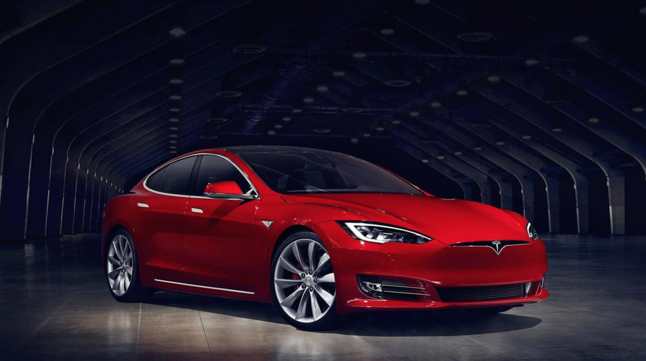 La corta pero intensa historia del Tesla Model S Screen Shot 2017-02-16...