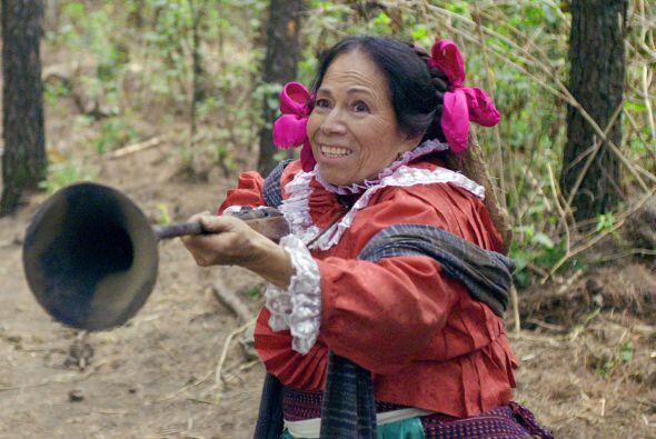 Velasco popularizó el papel de una humilde mujer que exageraba los ester...