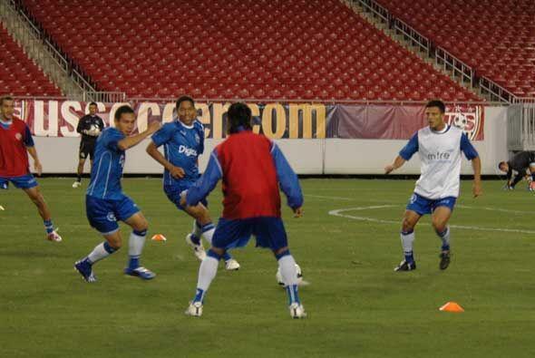 Aunque no tienen presión, los salvadoreños entrenaron con bastante inten...