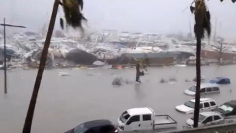 Daños severos en el embarcadero y autos flotando en San Mart&iacu...