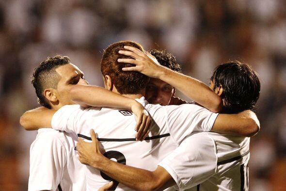 Dos goles de Ze Eduardo y uno de Maikon Leite le dieron el triunfo al eq...