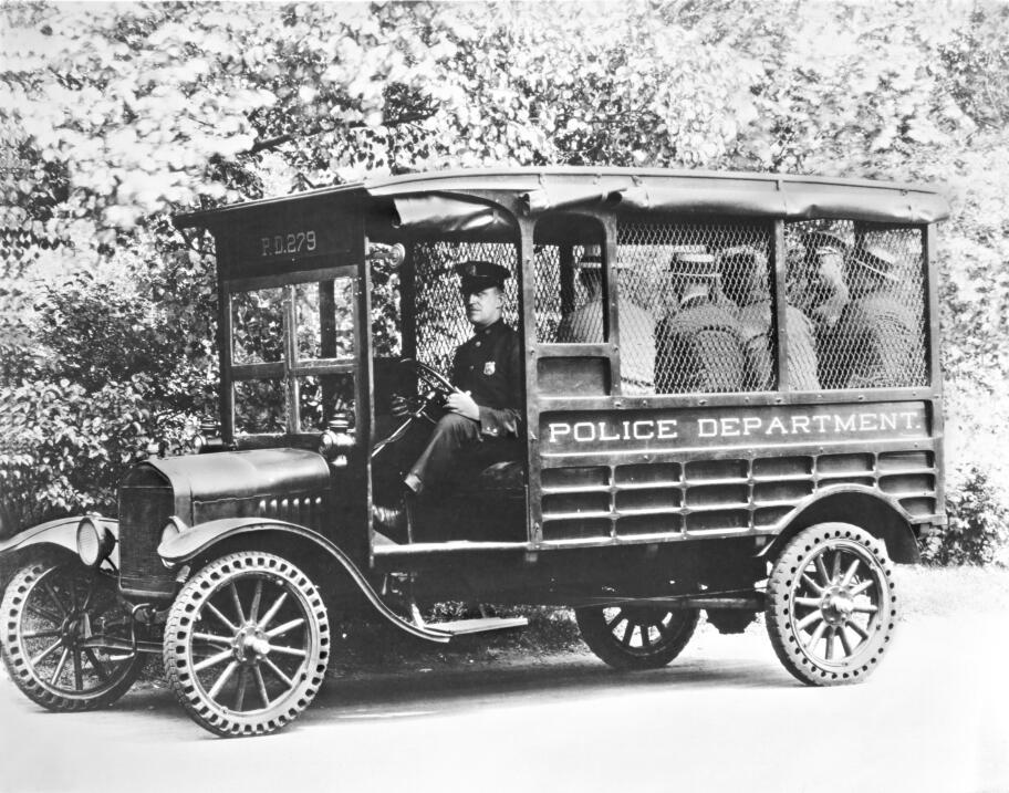 La camioneta pickup cumple su primer siglo 1925-Ford-Model-T-Truck-neg-4...