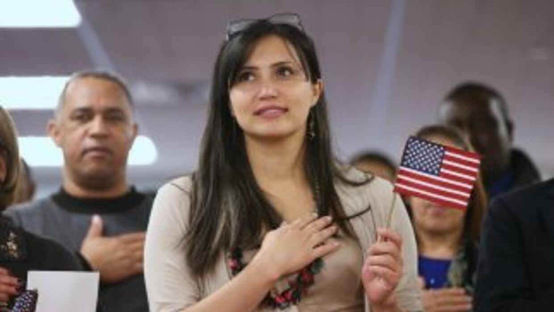 Con la amnistía de 1986 sólo el 40% de los 2,7 millones de inmigrantes q...