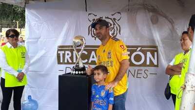 En fotos: El trofeo Campeón de Campeones protagonista en el previo de Tigres - Xolos