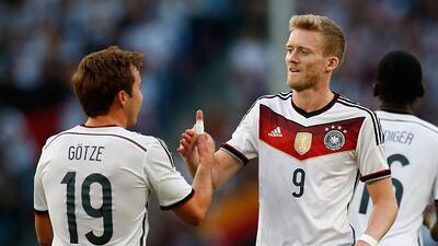 El delantero del Wolfsburgo anotó un 'hat-trick' ante Gibraltar.