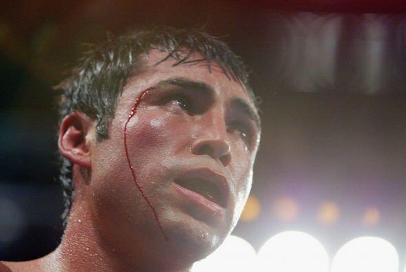 De la Hoya no pudo contra Mosley en la revancha, Shane ganó 115-113, 115...