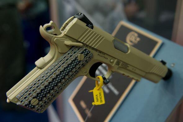 En cuanto a pistolas, hubo mucho que escoger... Como esta con detalle de...