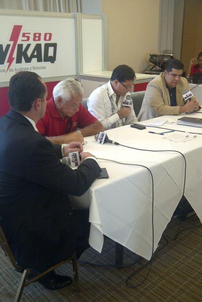 El foro por Puerto Rico conto con la presencia de políticos, medios de c...
