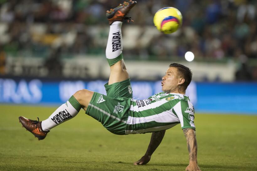 León ruge con fuerza y es líder al derrotar a Toluca 20180113-2930.jpg