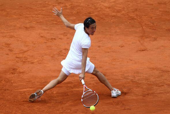 La campeona defensora, la italiana Francesca Schiavone (foto) contra la...