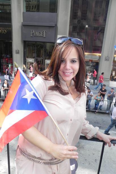 Univision 41 en el desfile de la Hispanidad 66cbdf93af6d42be8859629d001a...