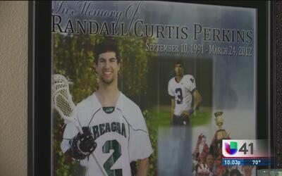 A cinco años del asesinato de su hijo, una familia del condado de Bexar...