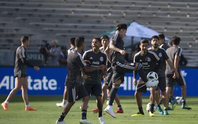 La selección mexicana realizó su último entrenamien...