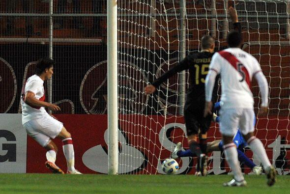 Y vino la respuesta peruana a los 82 minutos con la anotación de Paolo G...