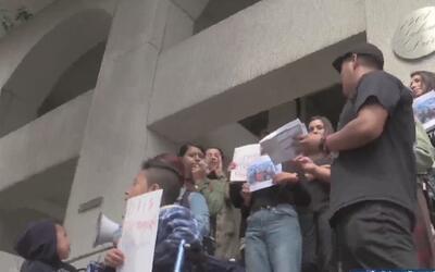 Activistas piden liberación de inmigrante guatemalteco que fue detenido...