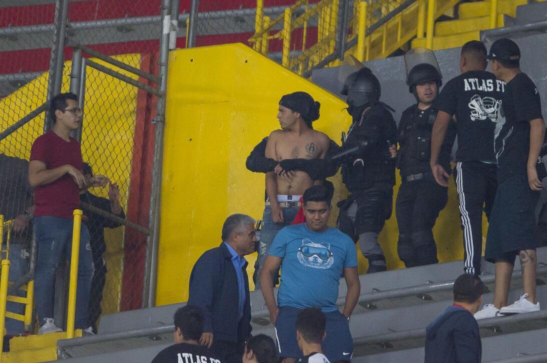 Violencia en las tribunas del Atlas en Clausura 2018 20180223-7759.jpg