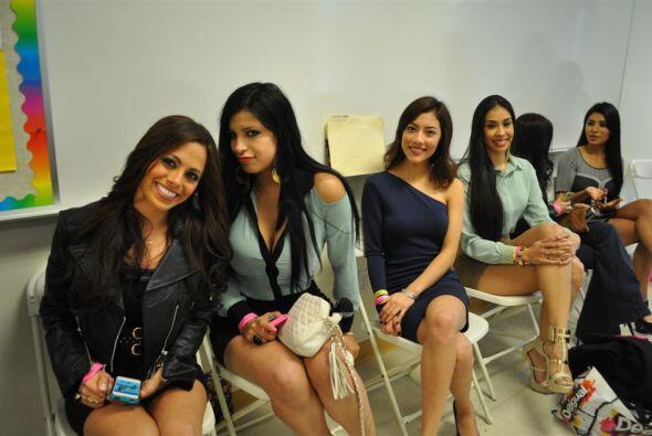 Las chicas se empezaron a destapar para pasar frente al jurado.