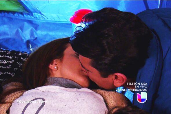 Ahora hasta un beso de Fernando te llevaste.
