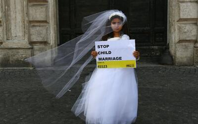Gobernador de Nueva York firmó una ley que prohíbe los matrimonios con m...