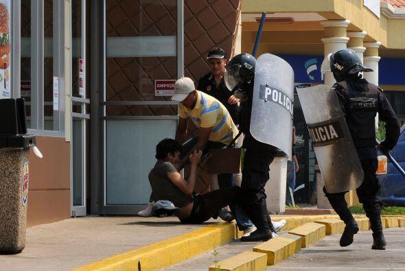 Las diferentes manifestaciones provocan severos enfrentamientos con la p...