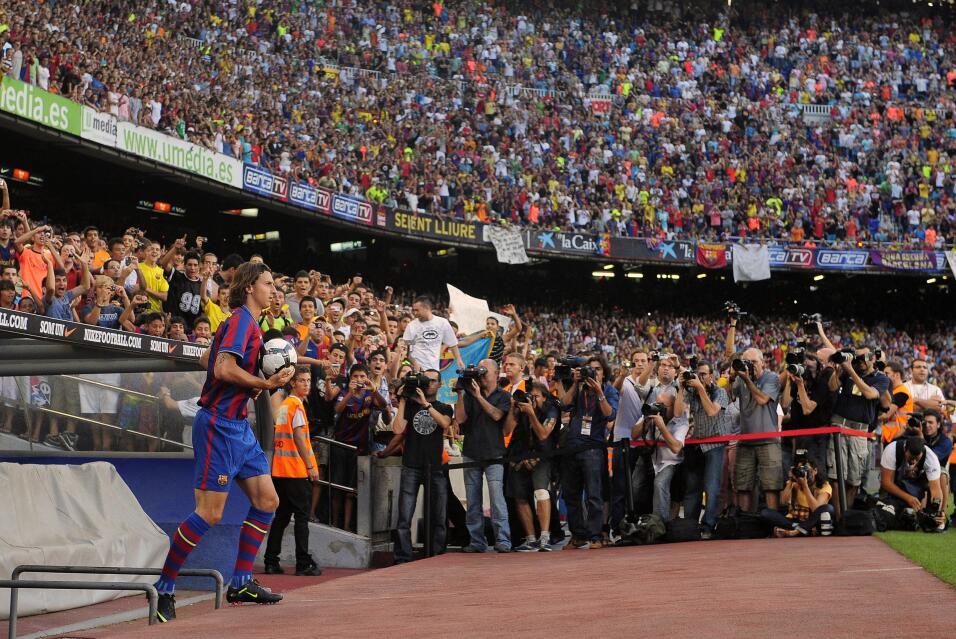 Nápoles arrolla al Benevento y el Milan no falla ante Udinese AP_0907270...
