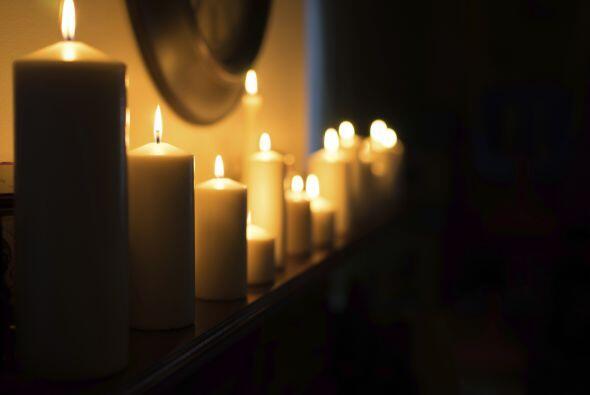 Y ¿qué es de una noche romántica sin velas?, usarlas tanto en la bañera...