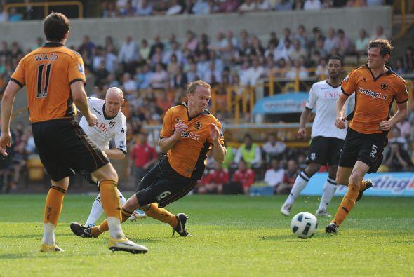 El punto le da un respiro al Fulham y deja a los 'Wolves' en posiciones...
