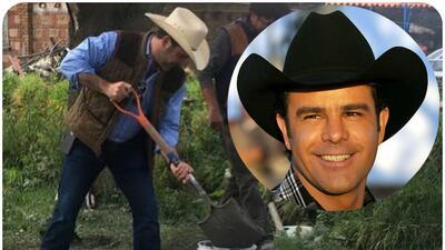Con pala, sobrero y botas, Eduardo Capetillo ayuda a sus vecinos luego d...